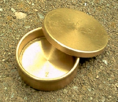 Okito box in ottone per mezzi dollari