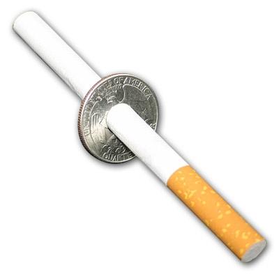 Sigaretta attraversa una moneta da 12 TANGO