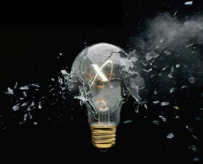 Esplosione di una lampadina